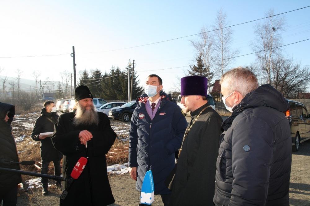 Губернатор Хабаровского края посетил храм в Казакевичево